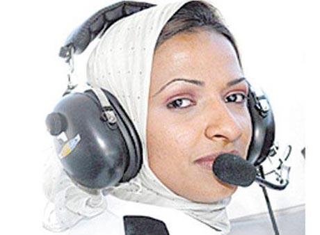 نخستین خلبان زن عرب مجوز پرواز گرفت (عکس)
