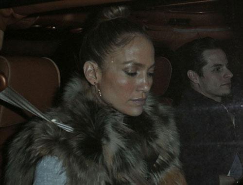 جنیفر لوپز و نامزد 25 ساله اش در اتومبیل جیپ نارنجی