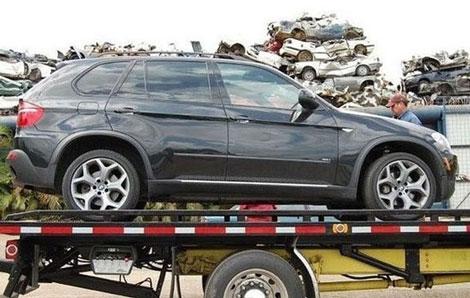 پایان راه یک اتومبیل زیبای BMW