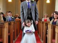 این دختر در عروسی باعث شگفتی دیگران شد