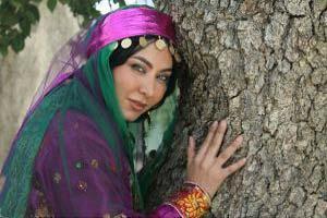جدیدترین عکسهای فقیهه سلطانی با لباس محلی