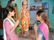 ستایش این کودک عجیب دُم دار هندی +عکس