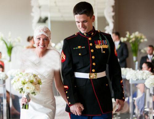 ازدواج رمانتیک دختر مبتلا به بیماری سرطان (عکس)