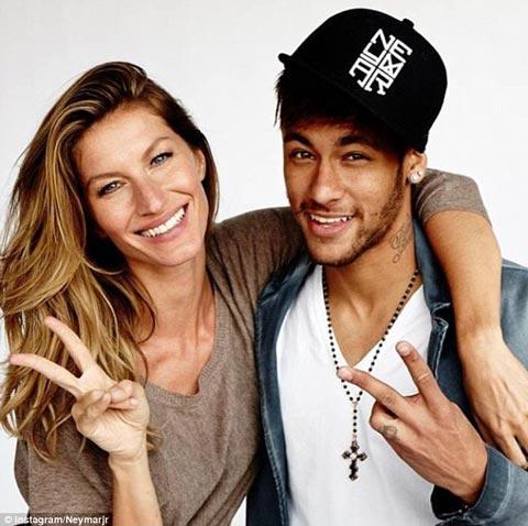 نیمار فوتبالیست معروف درکنار مشهورترین مدل برزیلی (عکس)