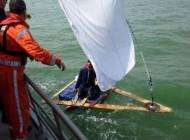 سفر خطرناک دریایی یک مرد افغانی با 3 تخته چوب!!