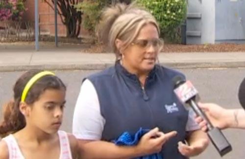 یک دختر به علت تدریس عجیب معلمش خودش را خیس کرد!