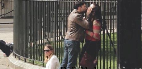 سوژه شدن دعوای یک دختر و پسر در خیابان (عکس)