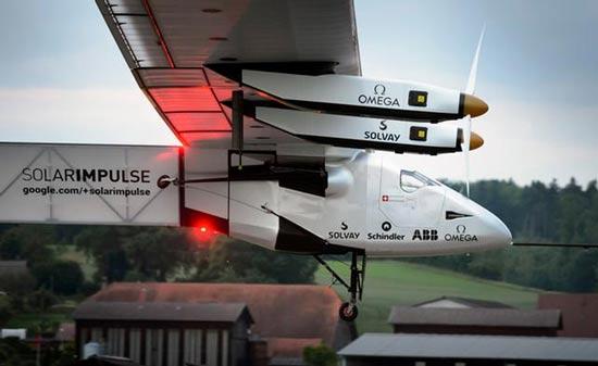 اولین پرواز به دور جهان با انرژی خورشیدی +عکس