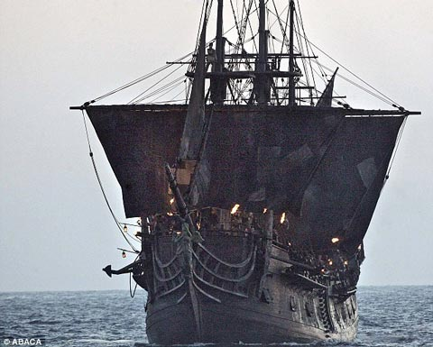 کشتی محبوب دزدان دریایی کارائیب غرق شد (عکس)