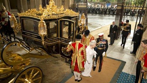 کالسکه جدید ملکه انگلستان + عکس