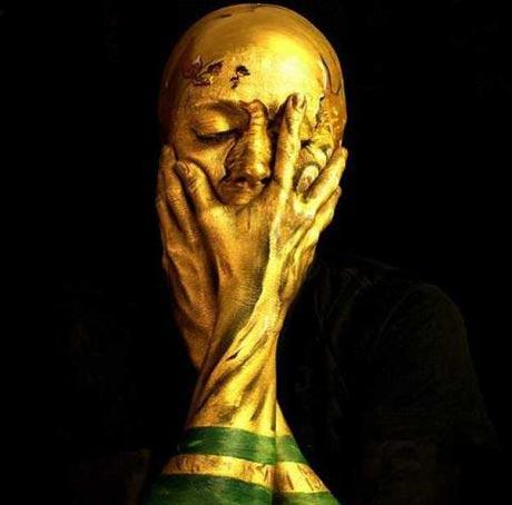 هنرنمایی شگفت انگیز یک زن برای جام جهانی 2014