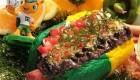 ایده خلاقانه مدیر رستوران با ارائه هات داگ های ویژه جام جهانی