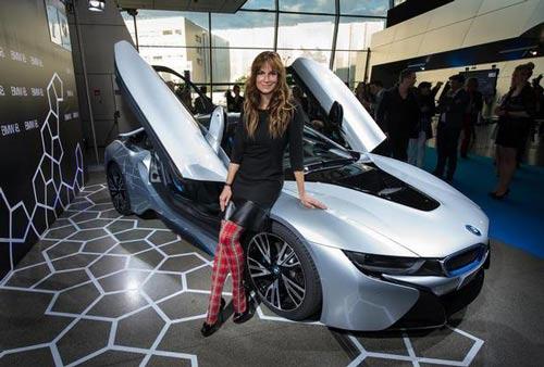 رونمایی از تکنیک و هنر آخرین مدل ماشین اسپرت BMW