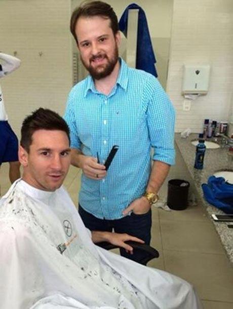 عکس لیونل مسی قبل از بازی با ایران در آرایشگاه