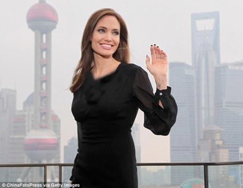 جشن تولد 39 سالگی آنجلینا جولی در چین +(عکس)