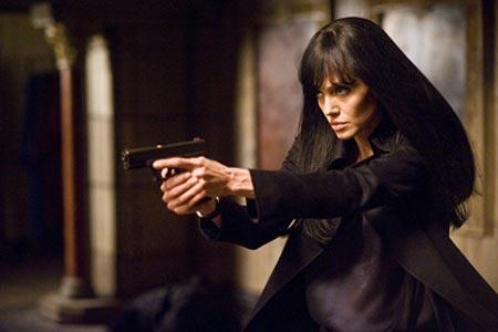 آيشواريا رای به جای آنجلينا جولی در این فیلم بازی می کند