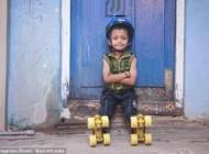 پسر هندی 6 ساله رکورد اسکیت سواری را شکست + عکس