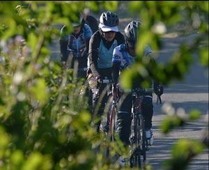 تصاویری از حجاب بانوان دوچرخه سوار افغان