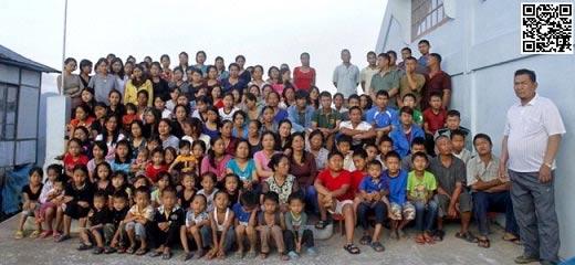 تصاویر جنجالی و دیدنی مردی با 39 همسر 94 فرزند