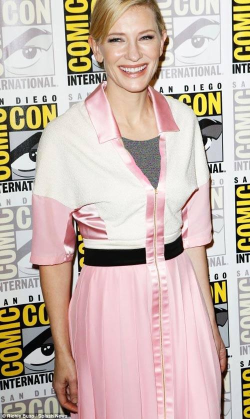 حضور کیت بلانشت بهترین بازیگر زن اسکار ۲۰۱۴ در کامیک کان