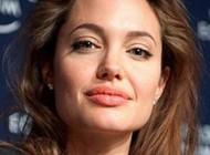 عکس شگفت انگیز و معنی دار آنجلینا جولی هنرپیشه سرشناس