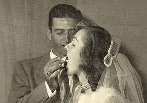 عشق جالب 63 ساله در 8 ساعت خاموش شد +عکس