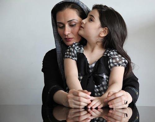تصاویر زیبای پریوش نظریه و دخترش بازیگر سریال مدینه