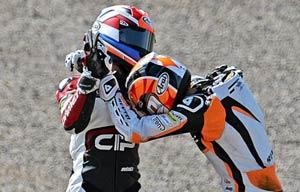دعوا وسط مسابقه موتور سواری! +(عکس)