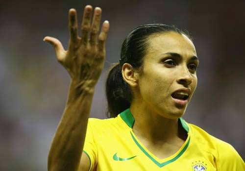 رونمایی گرانترین فوتبالیست زن تاریخ + عکس