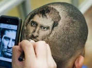 طراحی جالب صورت لیونل مسی بر روی سر هوادارانش + عکس