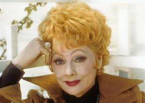 این خانم محبوب ترین بازیگر مرده دنیا است +عکس