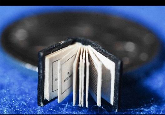 کوچکترين کتاب دنيا + عکس