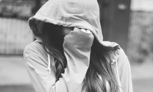 دختری که به خاطر مادرش برده جنسی معلمش شده بود