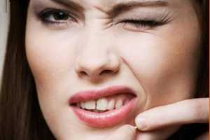 تخلیه جوشهای چرکی و التهابی ممنوع