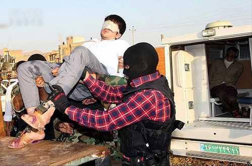 تصاویر 18+ از اجرای حکم اعدام سارقان مسلح