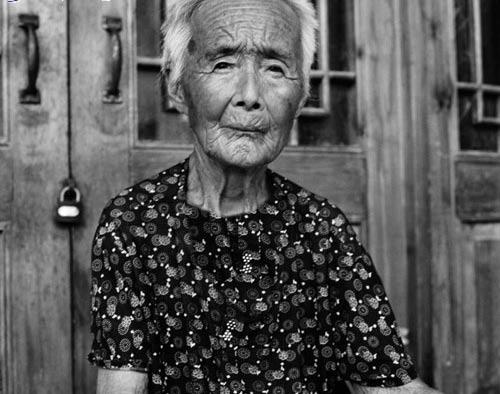 تصاویری از آخرین بازماندگان سمبل زیبایی زنان چین