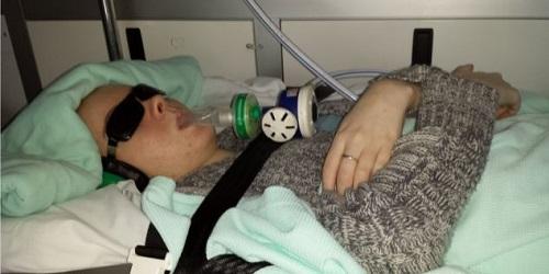 دختر جوان بعد از 9 سال بر بیماری مرگبارش غلبه کرد