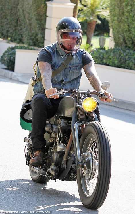 دیوید بکام سوار بر موتور هارلی دیویدسون در لس آنجلس