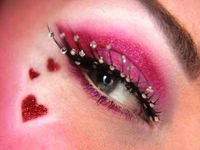 چندین مدل آرایش چشم صورتی شاد و جذاب