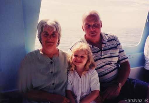پدر بزرگ به نوه خود پروتز سینه هدیه داد + عکس