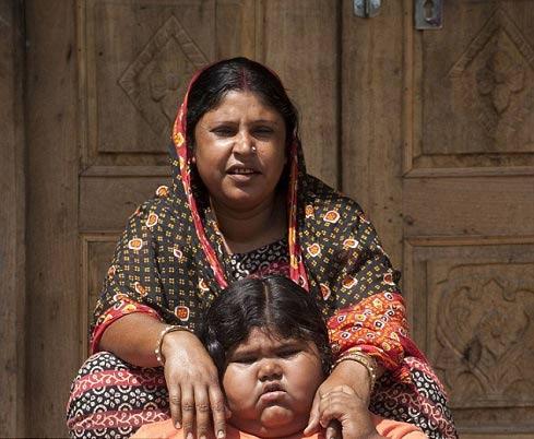 اشتهای غیر عادی و جنون آمیز کودک هندی + عکس