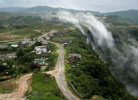 عکس هایی از زمین مگالایا مرطوب ترین نقطه کره زمین