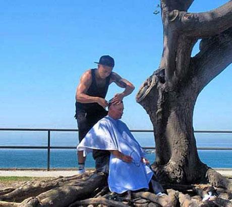 آرایشگری که به خوش قلب ترین در جهان شناخته شد + عکس