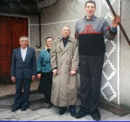 عکس و خبر داغ مرگ بلند قد ترین مرد دنیا