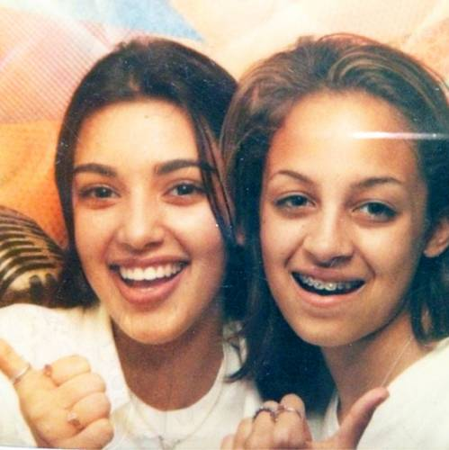 تصاویر جالبی از ستاره ی هالیوودی که از کودکی با هم دوست بوده اند