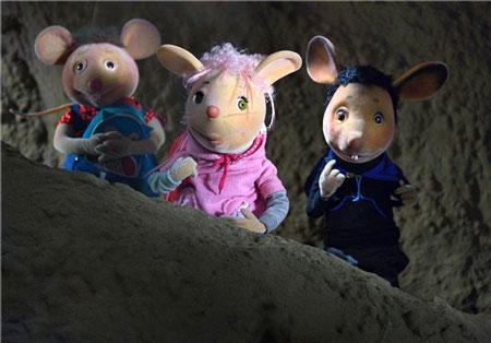 دیدار دانش آموزان بامزه مدرسه موشها بعد از 30 سال
