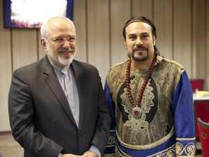 آقای ظریف در کنار خواننده مورد علاقه اش + عکس