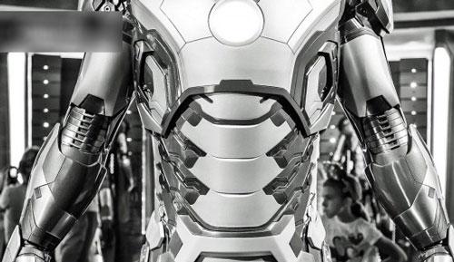 ساخت لباس واقعی مرد آهنی مشهور + عکس