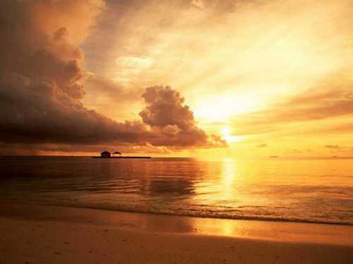 تصاویر شگفت انگیز و عاشقانه از غروب خورشید