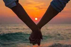 چندین سود و فایده داشتن رابطه زناشویی